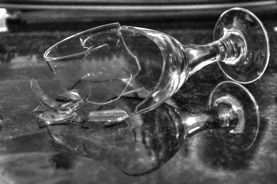 broken-glass-1794449_960_720